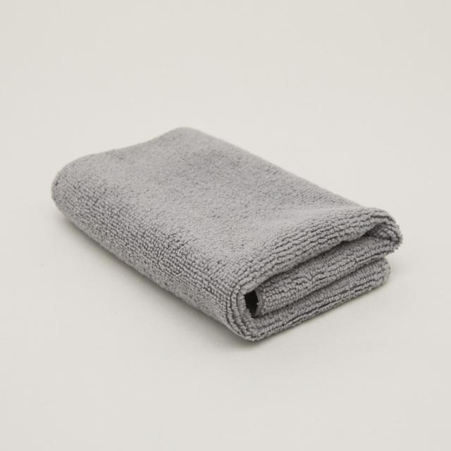 マイクロファイバー(極細繊維)で汚れをしっかりキャッチし、銀の抗菌防臭効果